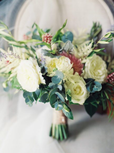 bridal florals photo by Matoli Keely Photography